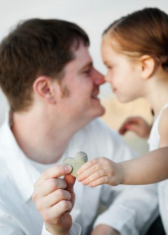 Vater erpresst/beeinflut eigene Tochter - Forenarchiv