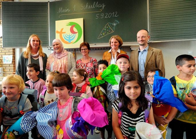 Schulanfang, Drei-Religionen Schule