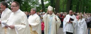 Bischof Franz-Josef Bode bei der Wallfahrt nach Wietmarschen im Jahr 2011, Bild: kirchenbote.de