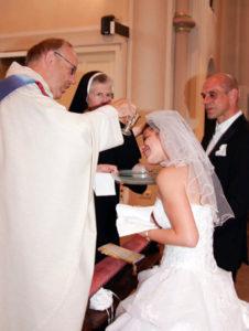 Katja bei der Taufe (Bild: privat)