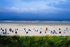 Strandkörbe (Bild: photocase.de, schachspieler_wind)
