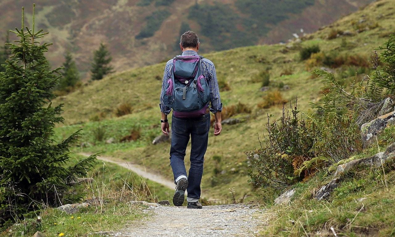 Wanderer in einer Berglandschaft