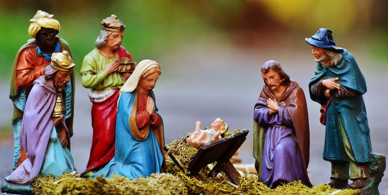 Krippe mit Heiliger Familie, Heiligen Drei Königen und Schäfer