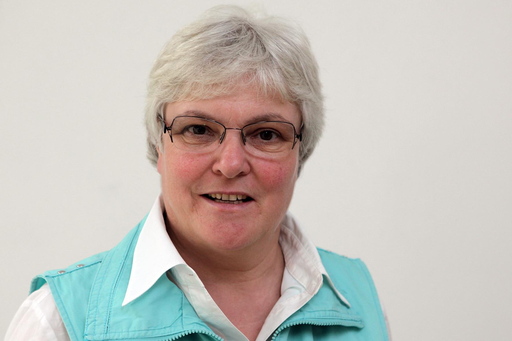 Dr. Julie Kirchberg