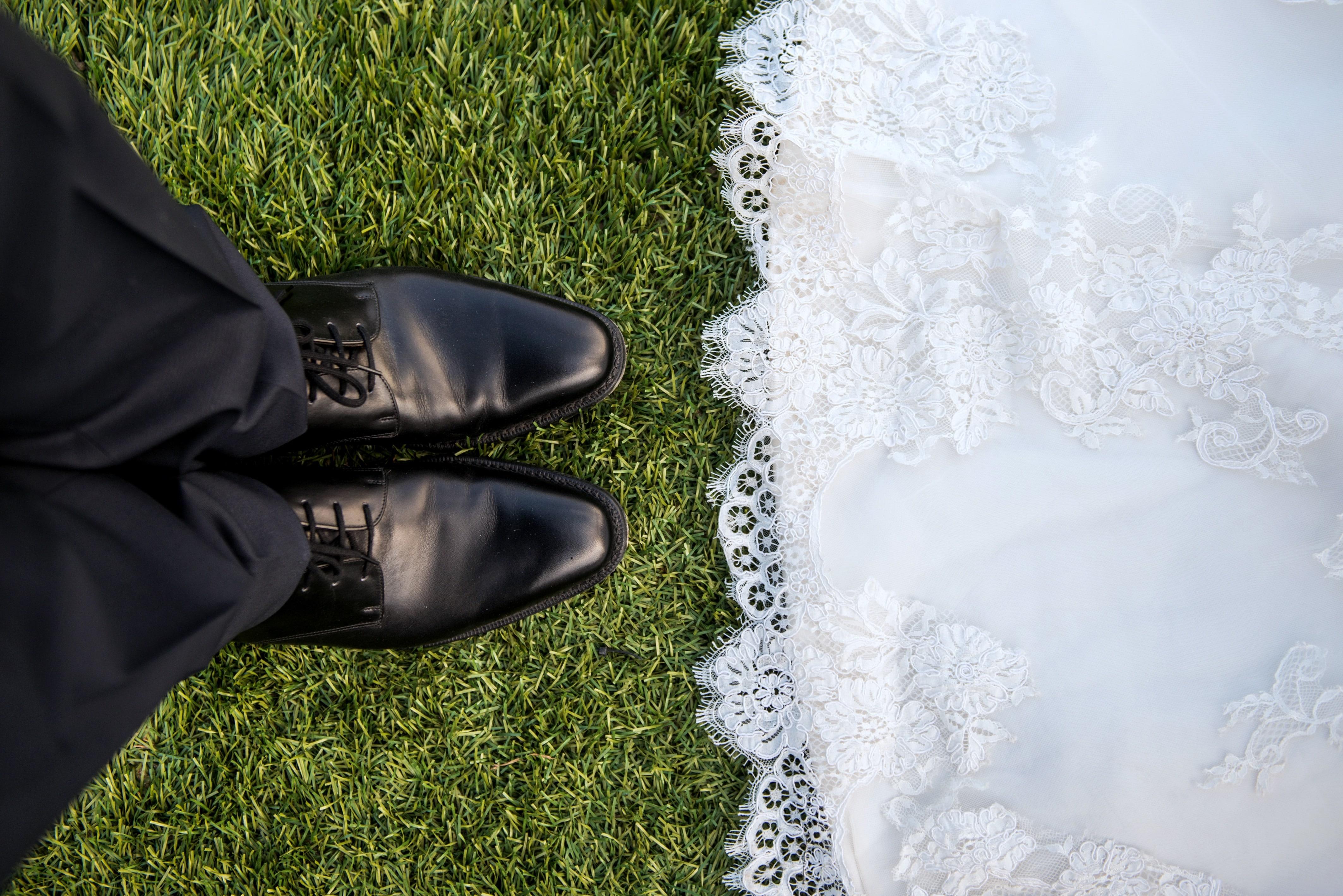 Füße des Brautpaares