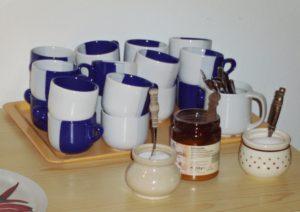 Kaffeetassen auf einem Tisch