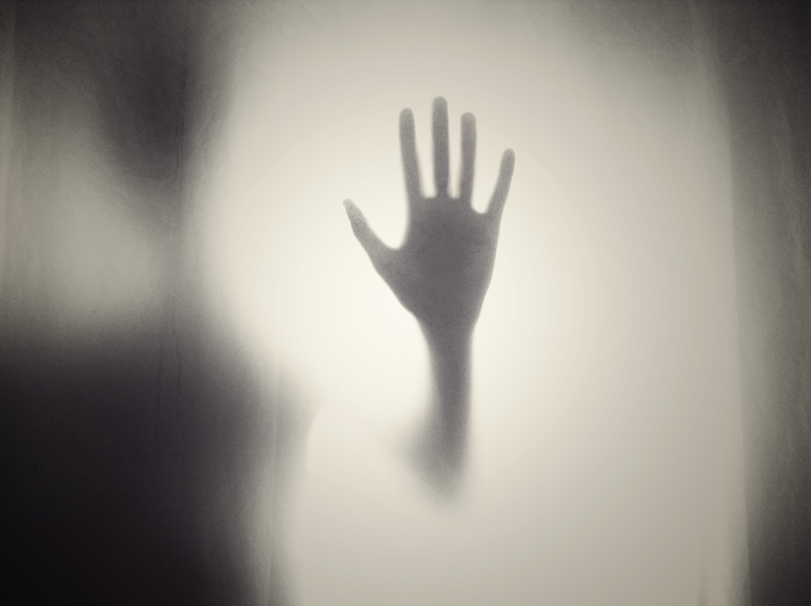 Hand im Nebel