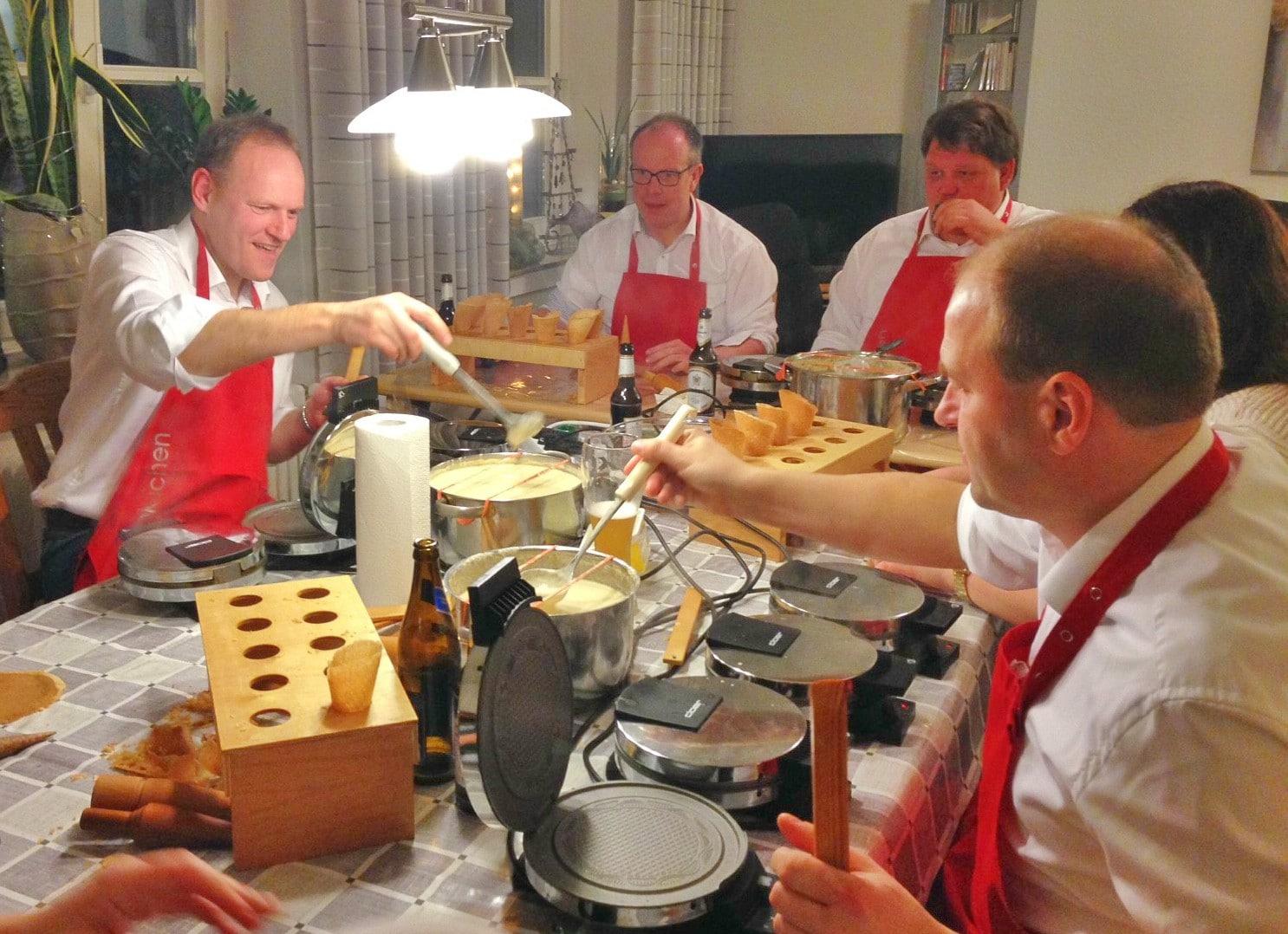 Ein eingespieltes Team: Die Piekuchenbäcker in Aktion