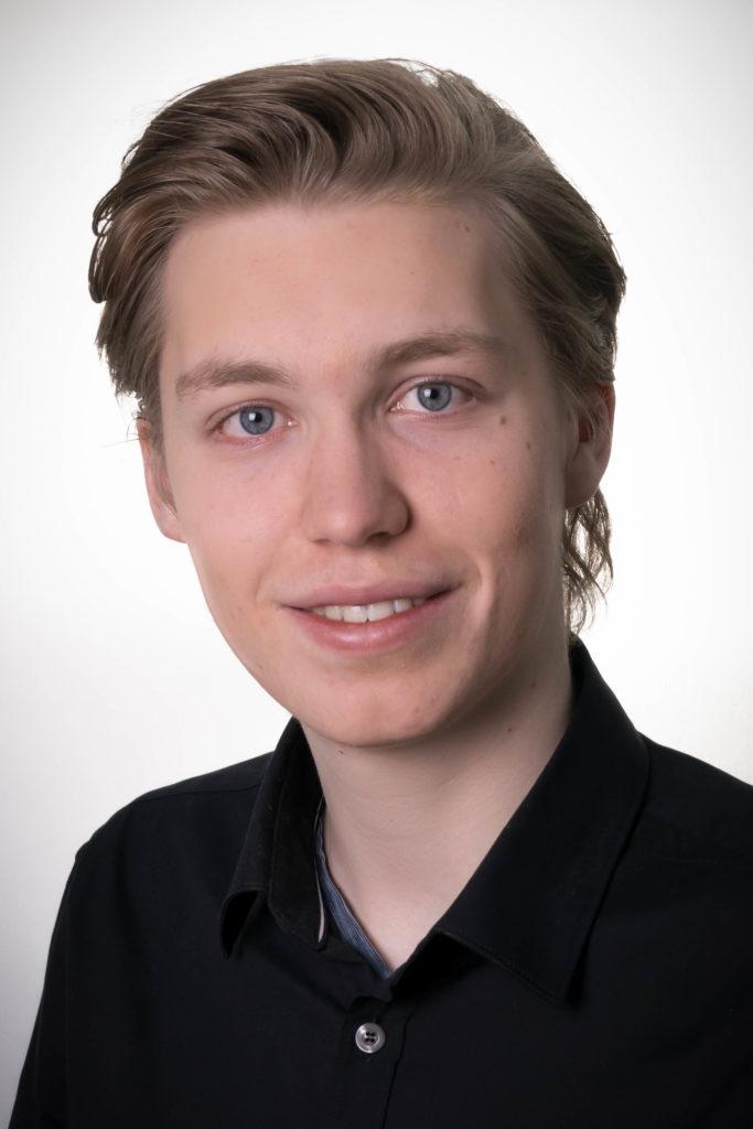Junger Mann im Portrait