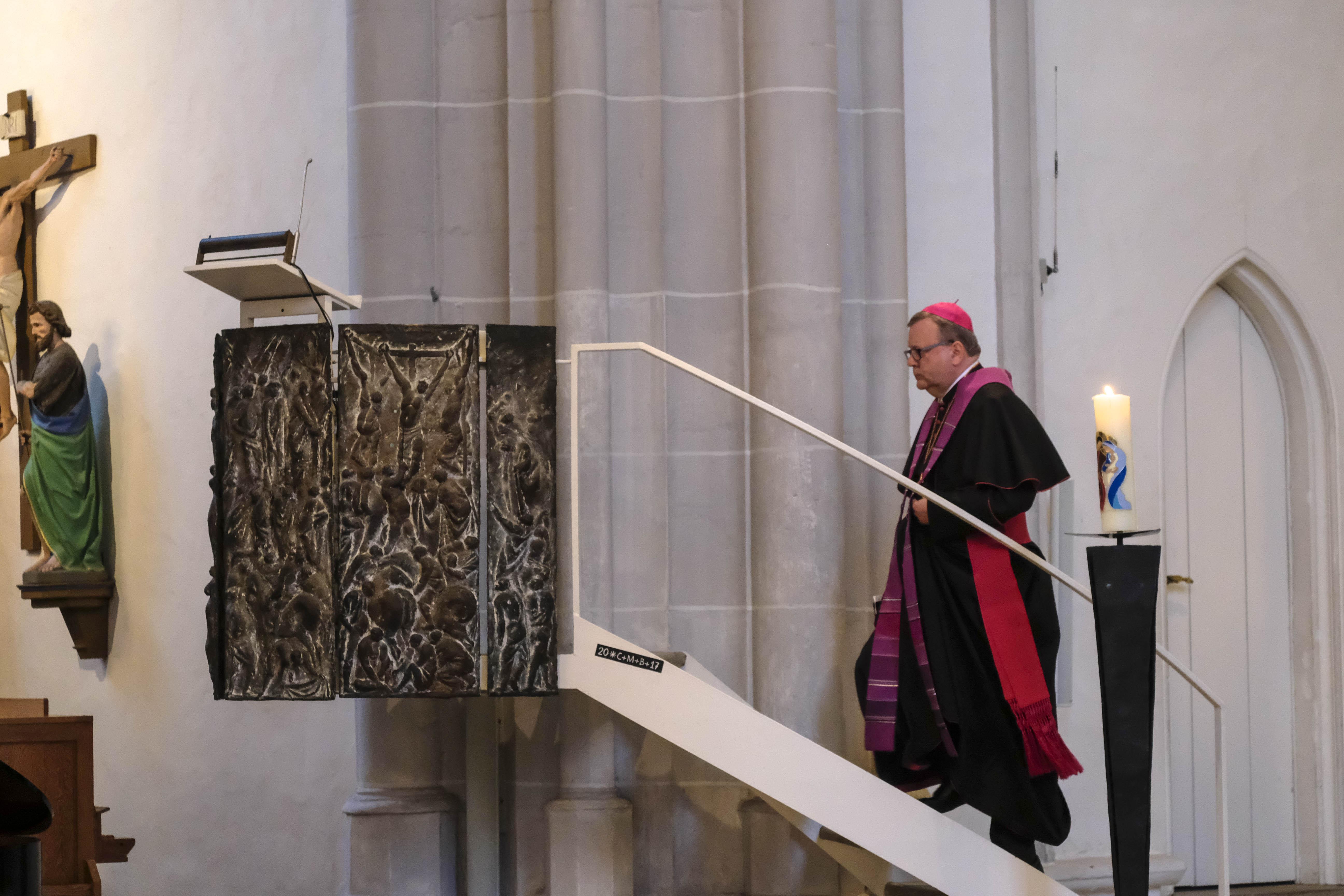 Bischof Bode in der Katharinenkirche Osnabrück