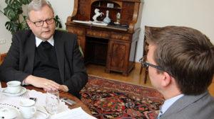 Bischof Franz-Josef Bode im Gespräch mit Ulrich Waschki, Chefredakteur des Kirchenboten