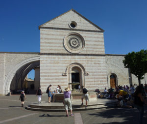 Basilika Santa Chiara, Assisi