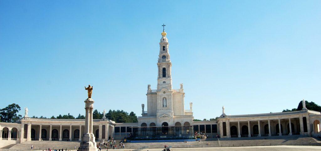 Das Heiligtum von Fatima mit der Basilika unserer lieben Frau des Rosenkranzes