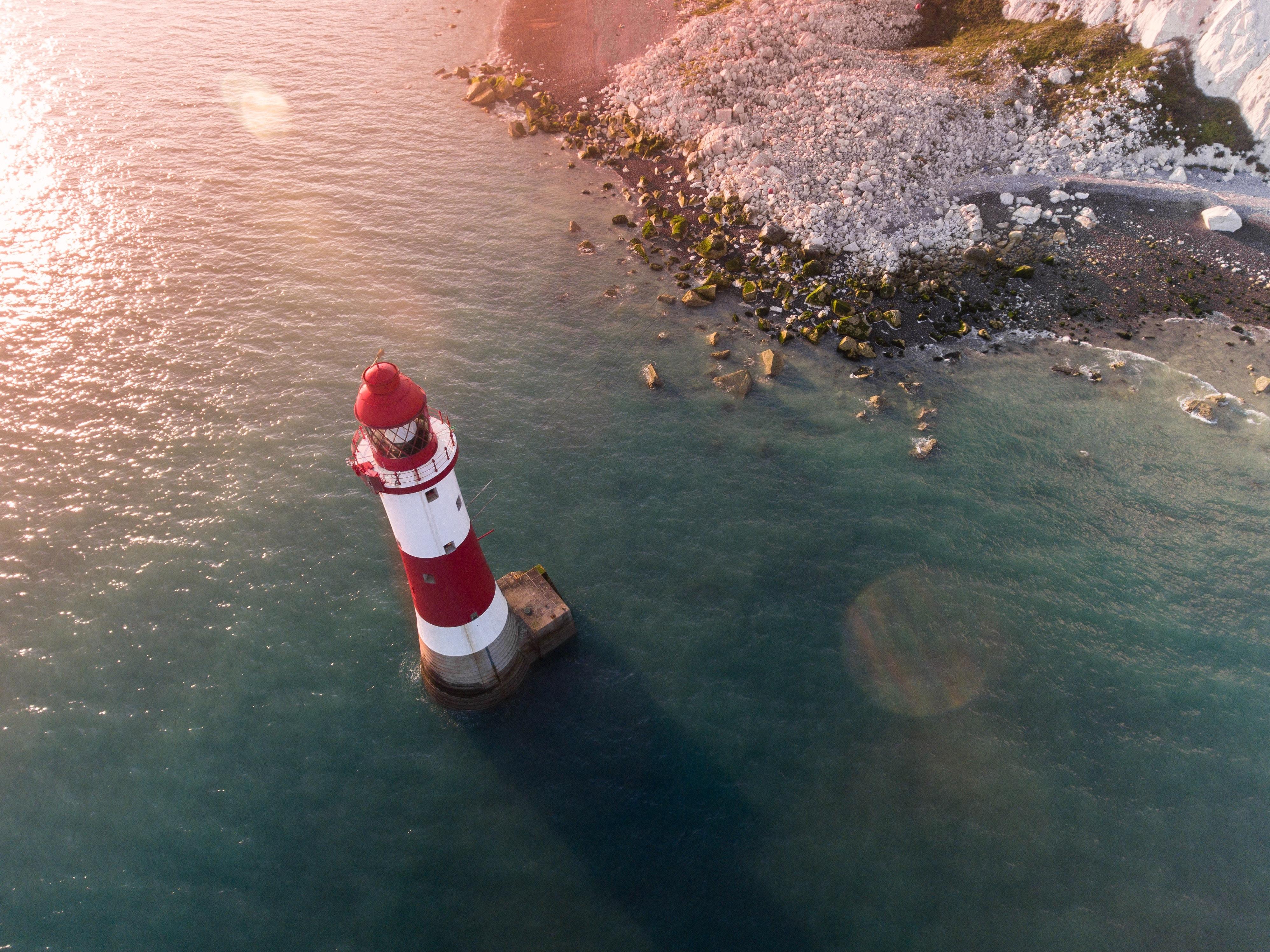Leuchtturm im Meer