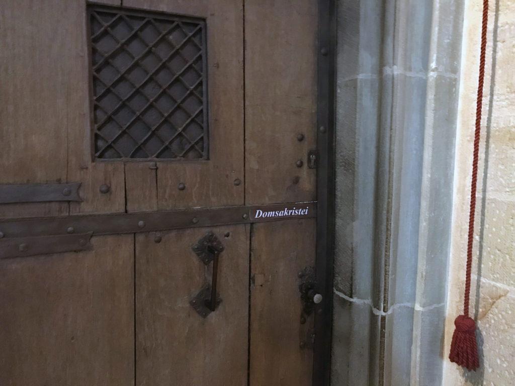 Tür zur Domsakristei