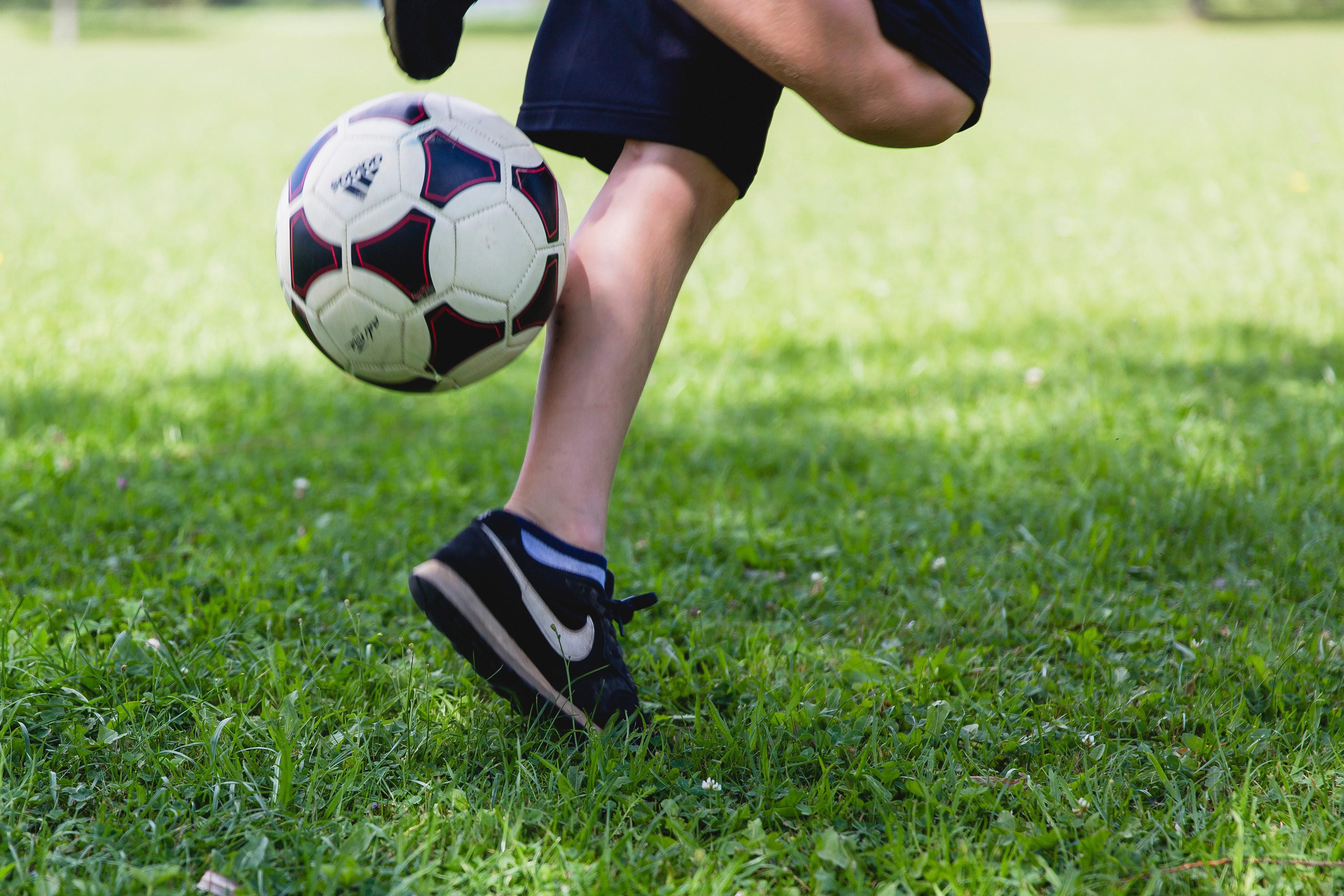 Beine eines Fußballers