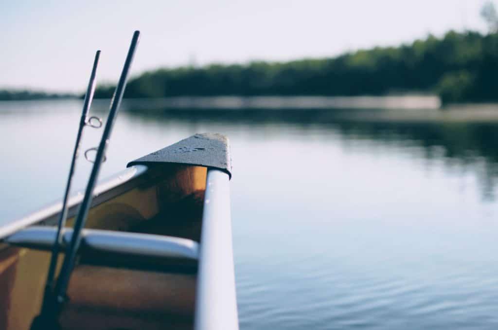 Ein Boot auf einem See
