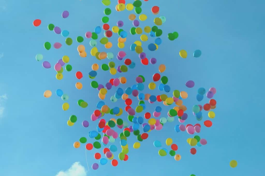 Ballons am Himmel