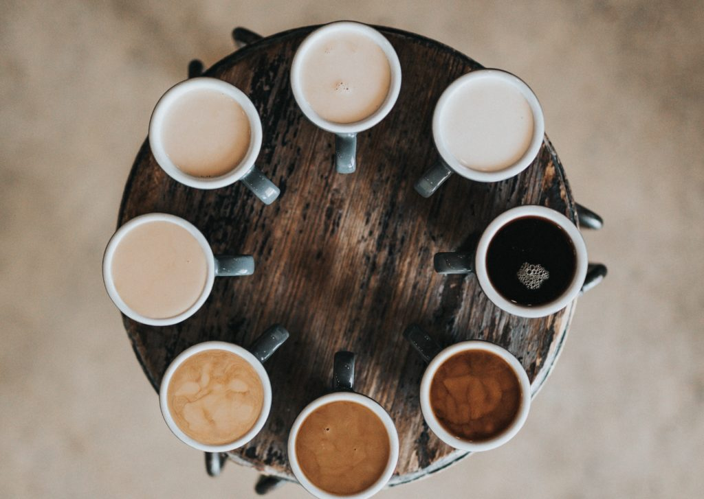 ganz viele Kaffeetassen