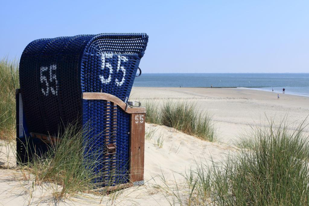 Stranskorb auf Borkum am Meer