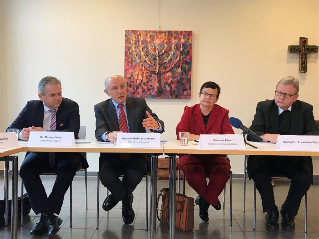 Beteiligte der Pressekonferenz 1 Jahr Schutzprozess im Bistum Osnabrück