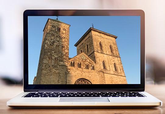 Laptop mit Bild vom Osnabrücker Dom