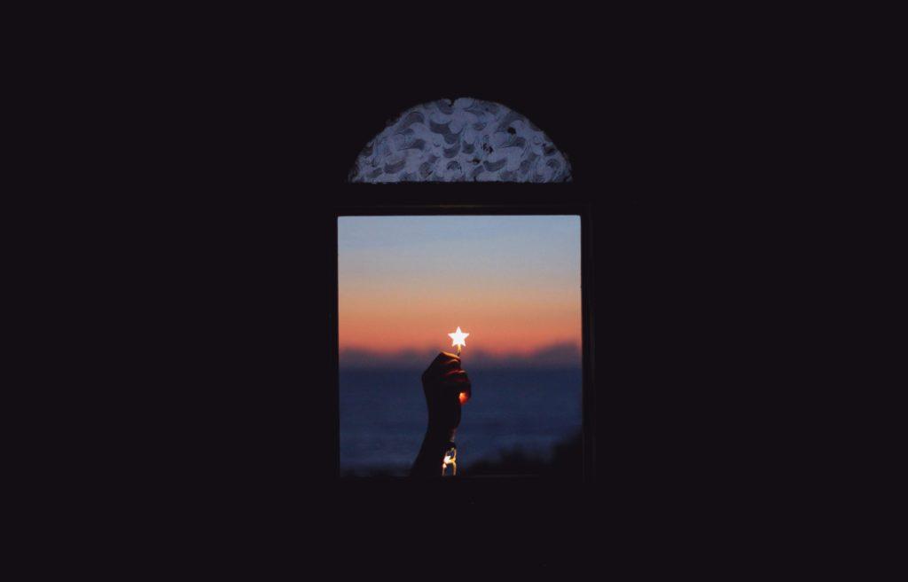 Licht aus dem Fenster